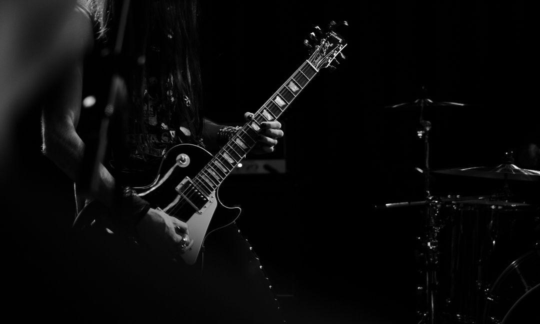 guitares pour jouer de la musique metal hard rock