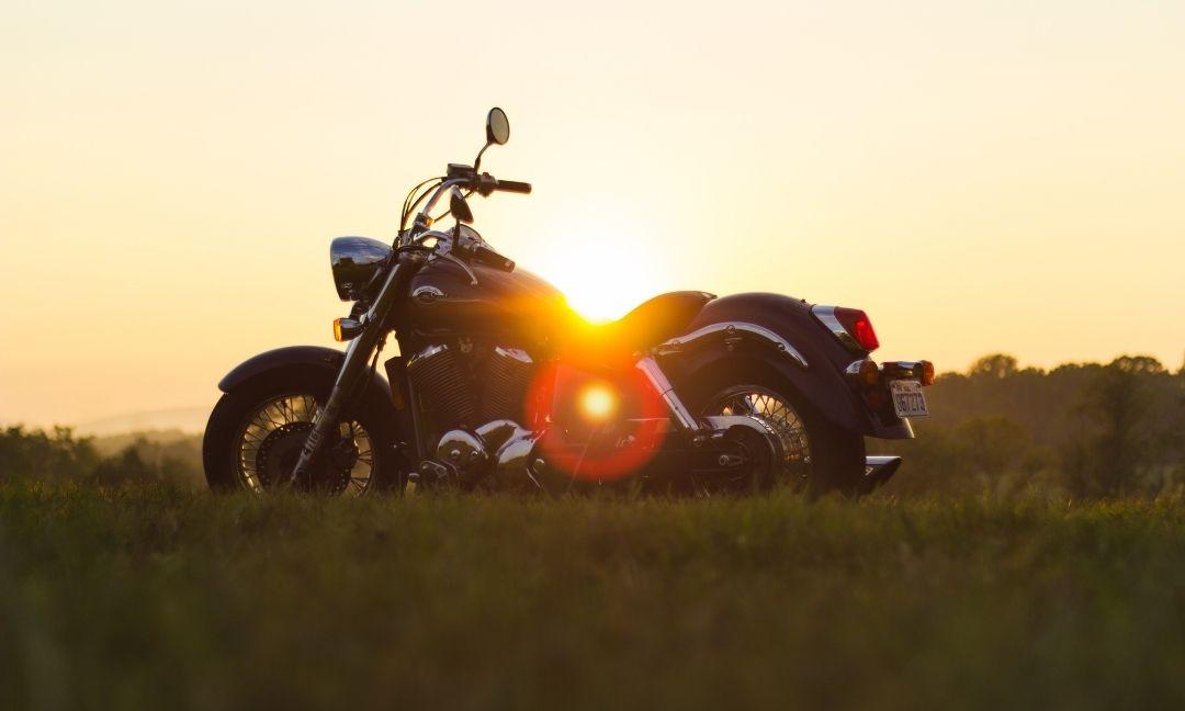 les musiques parfaites pour un roadtrip moto